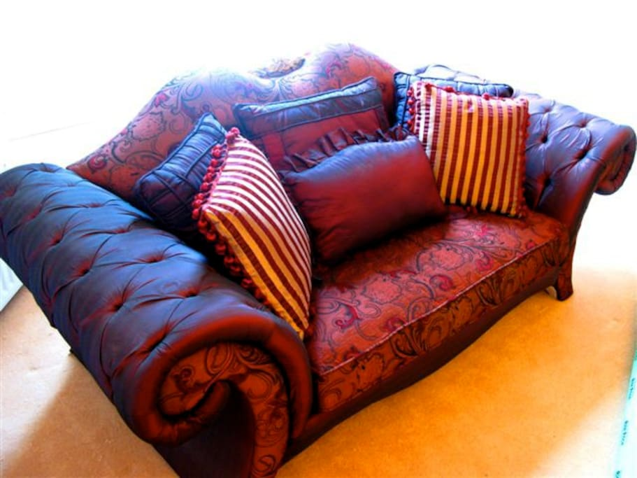 ..and , a kingsize sofa bed if required