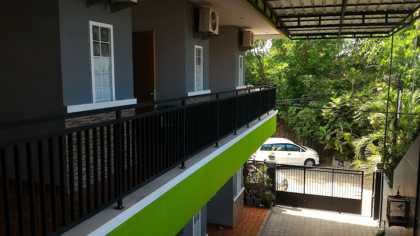 Kost Cilegon WiFi Private Bathroom - Cilegon - Haus