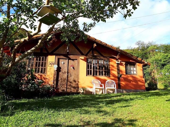 Casa em sítio com represa e trilhas em Teresópolis
