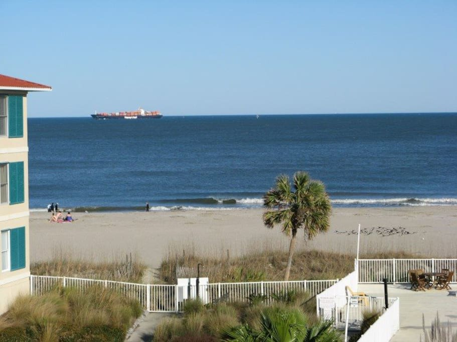 Spectacular Views of Tybee Beach and the Atlantic Ocean
