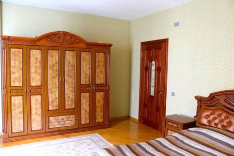 Bedroom 1/ Chambre 1