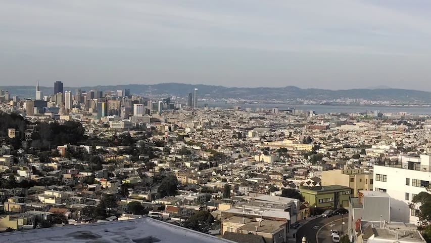 Twin Peaks View of the Entire City with Deck - San Francisco - Byt