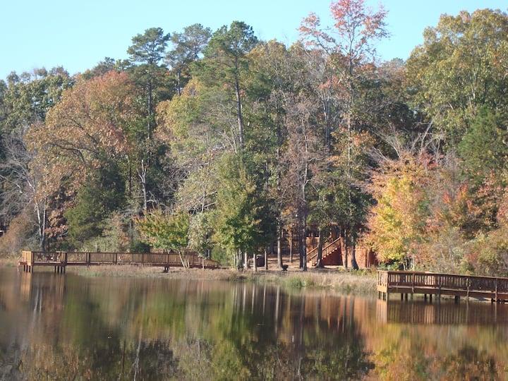 Modern Cabin on the Lake