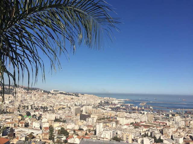 F3-vue sur la baie d'Alger/ 2 Bedroom appartment - Algiers