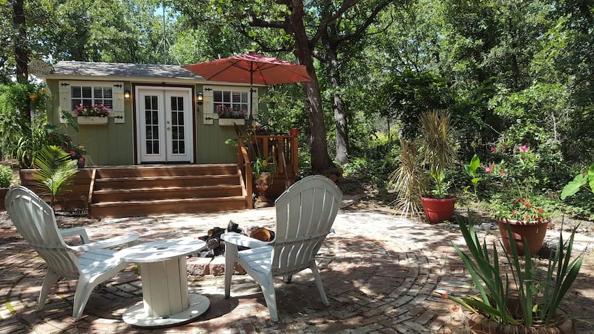 Lovely Private Cottage-couples,work,study,write +