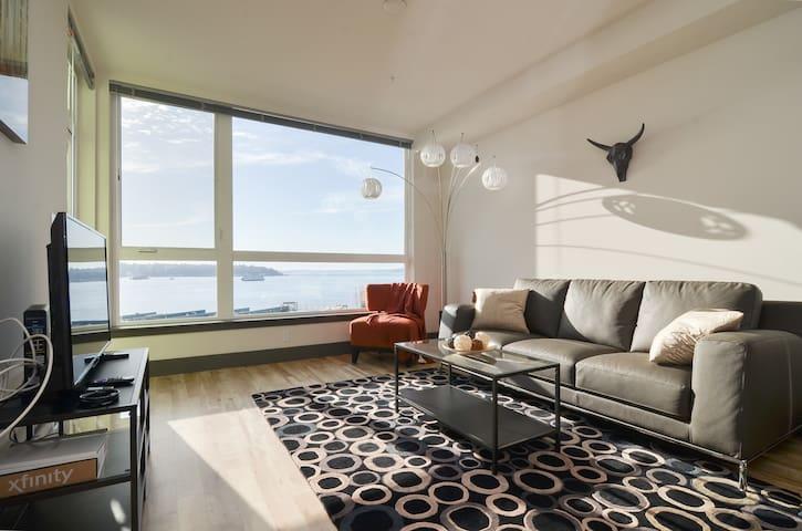 Waterfront+Pike Place 1 Bedroom Water Views9 AV