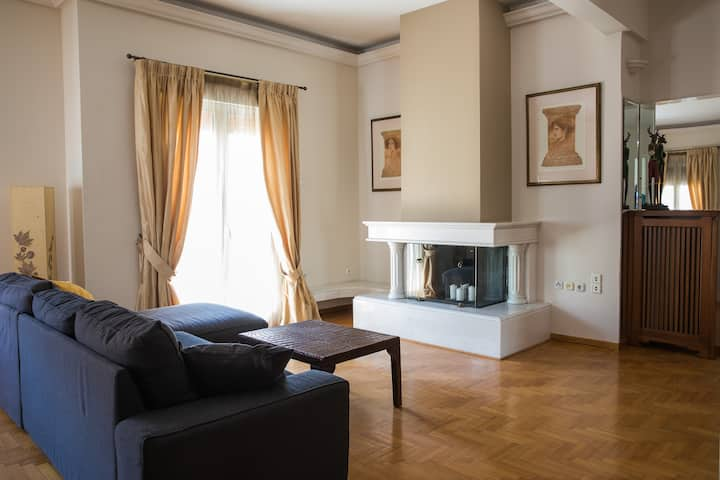 Family Apartment in the Heart of Piraeus!