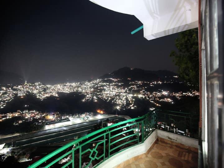 OYO- Sale Alert! - 1BR Hill-View Stay, Solan