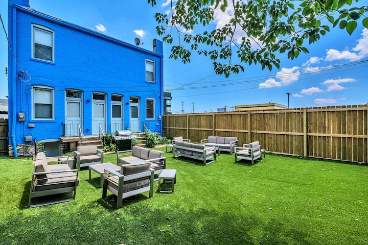 St. Louis Townhome-Perfect for Groups!