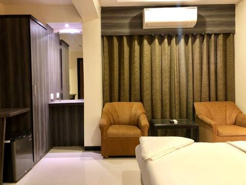 Hotel Room near Dadar Railway Station