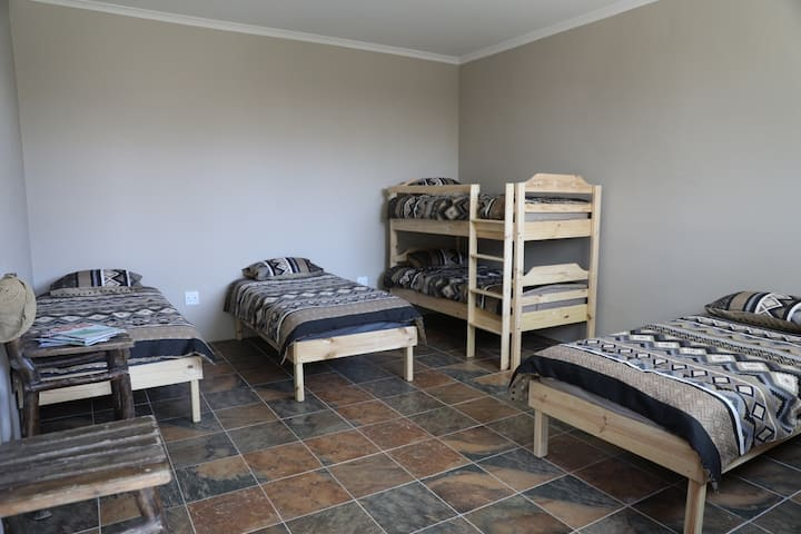Swakopmund Backpackers - Spitzkoppe - Pvt 1-6 Pers