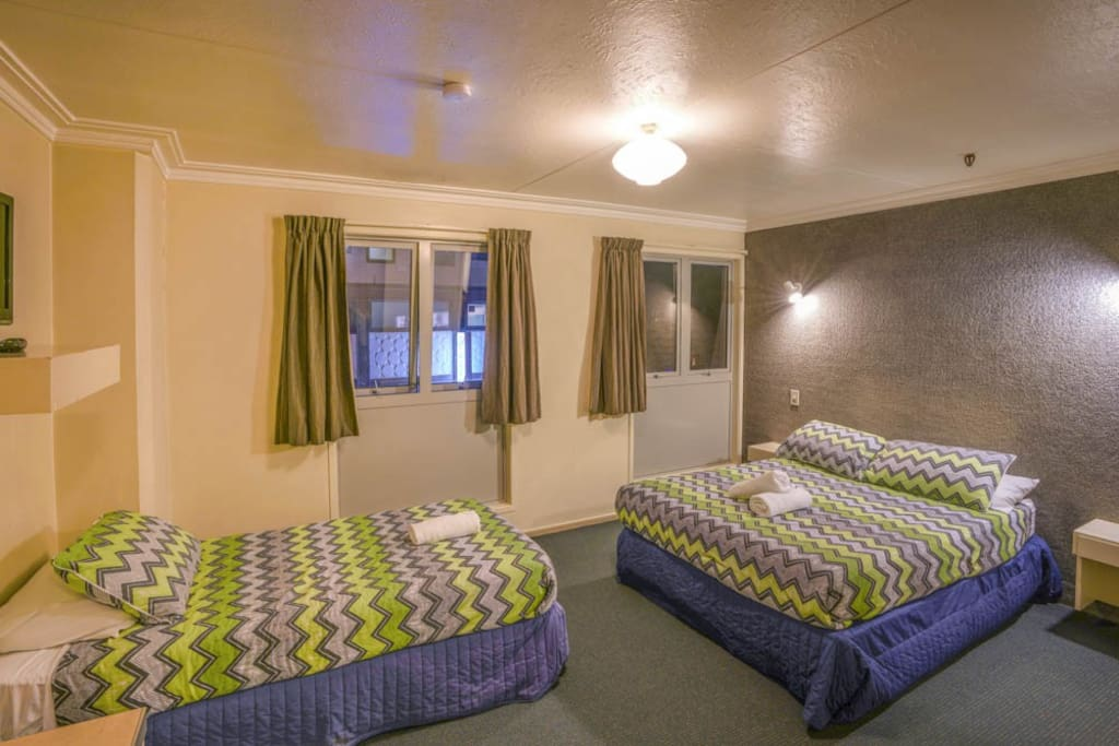 Lakeview Double Single Ensuite Yha, Double Bed Queenstown