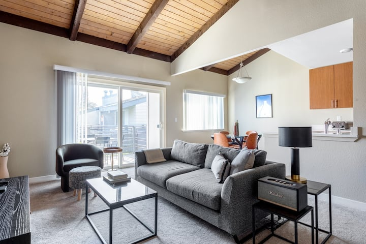 Spacious Sunnyvale 1BR w/ Gym, Pool, Parking, W/D, A/C, by Blueground