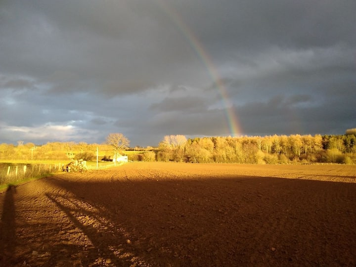 Tucked away gem, nestled in farming countryside