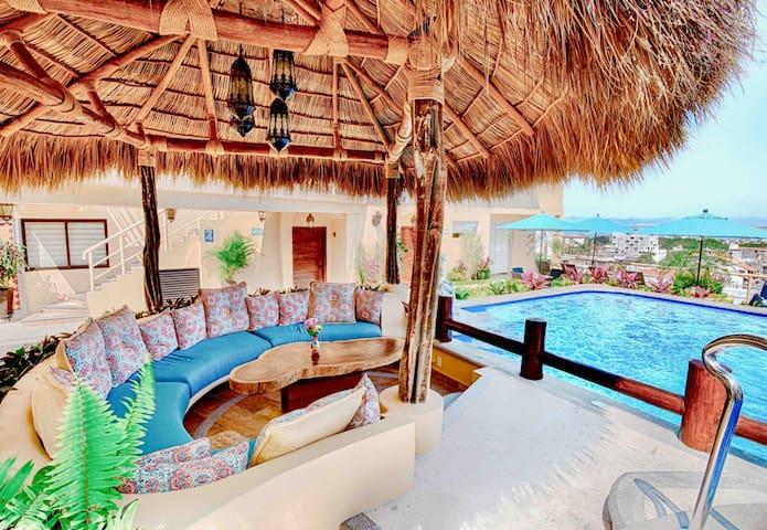 Romantic Zone, the best Location Pool & Jacuzzi