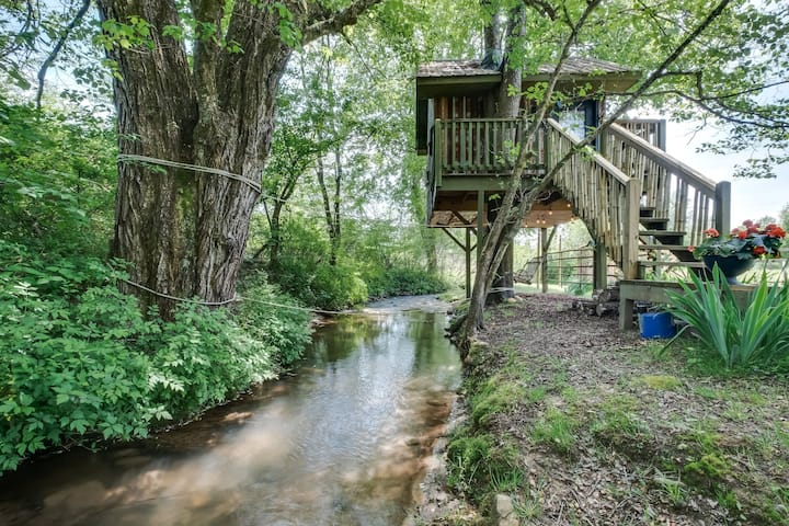 Treehouse, Creekside Glamping, North Sungate Farms