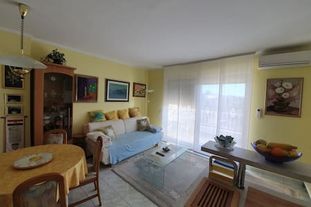 Krk, cozy flat with great view 350m from the sea