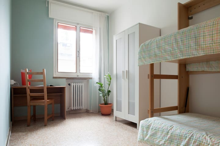 Bunk bed room 10 min to Venice