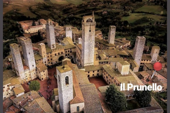 Il Prunello - a house among the Towers