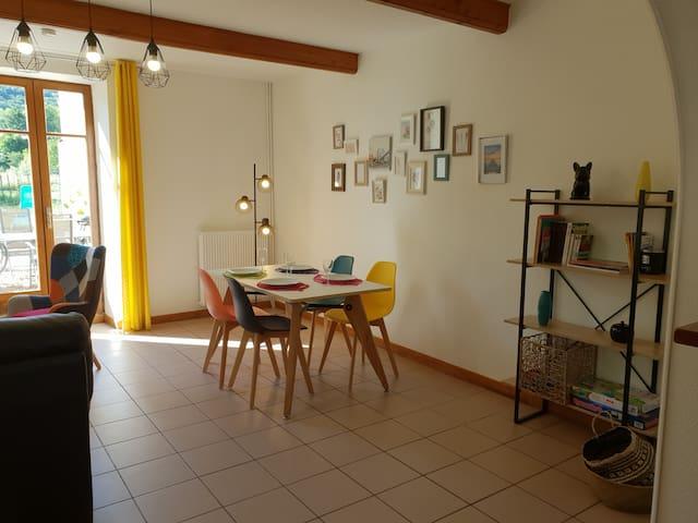 Gîte Des RIOTTES, 80m² 4 pers proche de Dole- Jura
