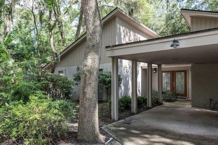 Beautiful Home in Sea Pines - ヒルトンヘッドアイランド
