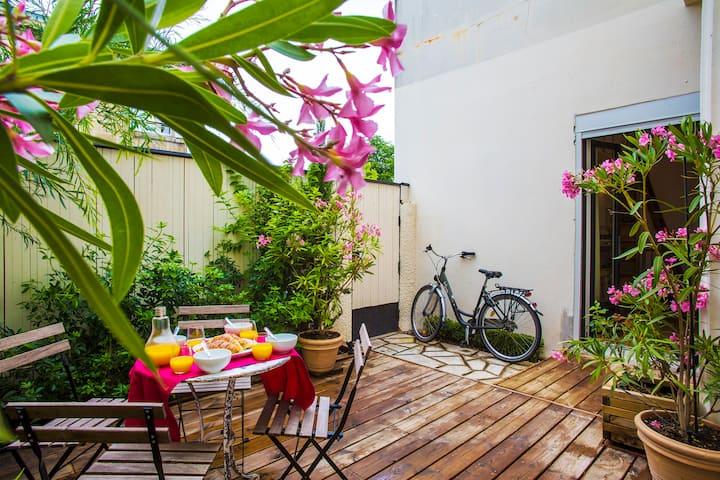 Bordeaux - Appartement - Terrasse - Parking.