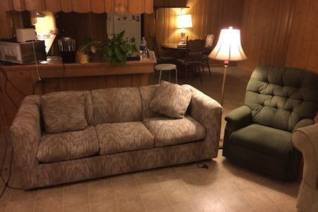 Comfy couch in South Tyler - Tyler