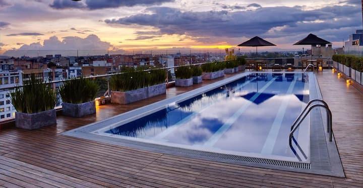 Exclusiva suite con piscina vista parque Virrey!