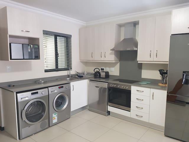 Modern Upmarket Apartment in Sandton