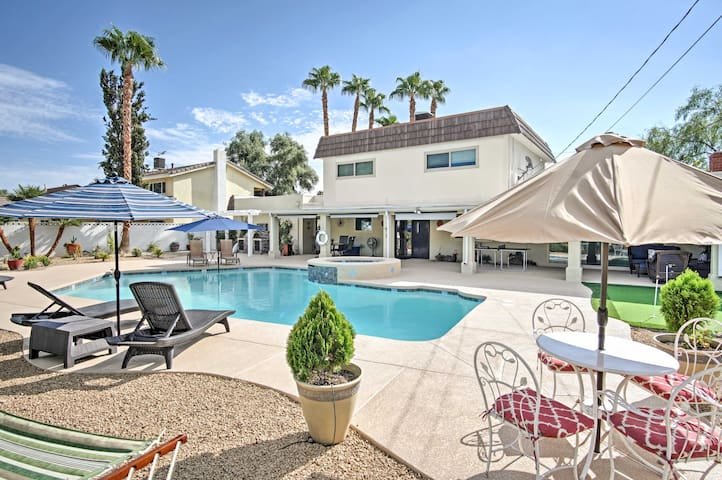 Stunning 3BR Las Vegas Home w/Private Pool & Grill