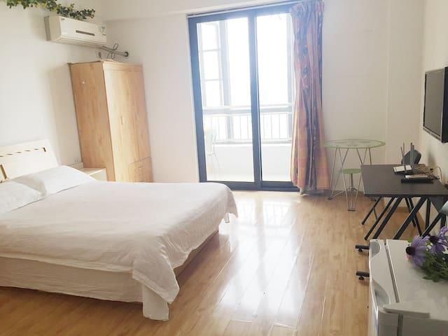 临近积玉桥汉街户部巷水岸国际精装修套房整租2905 - Wuhan - Leilighet