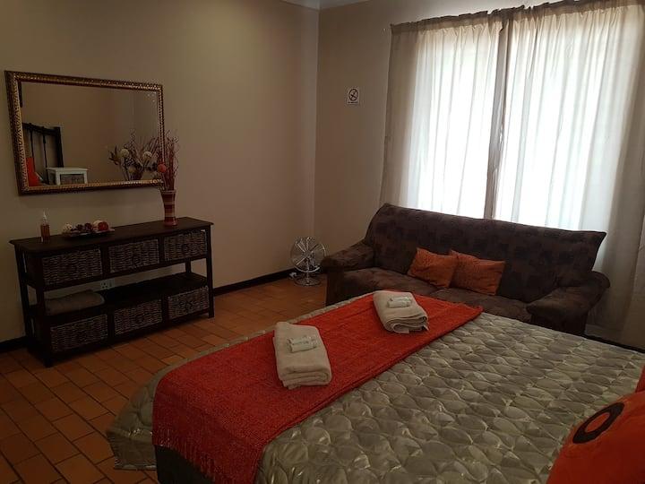 Roos Getaway Apartments / Flat 8