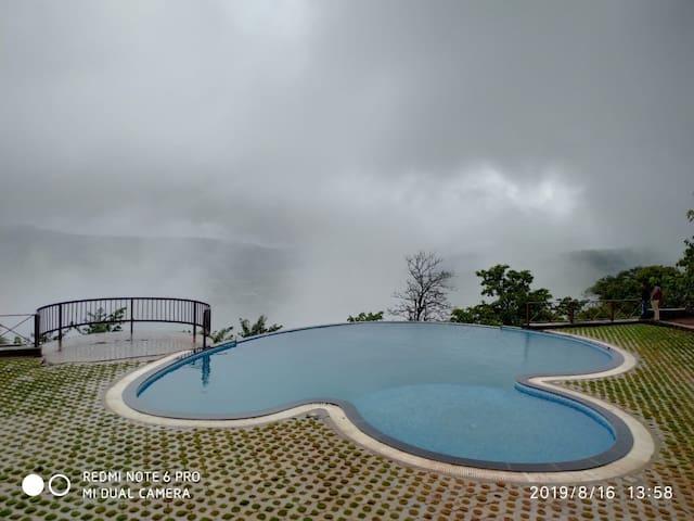 The Divine Resort, Panchagani