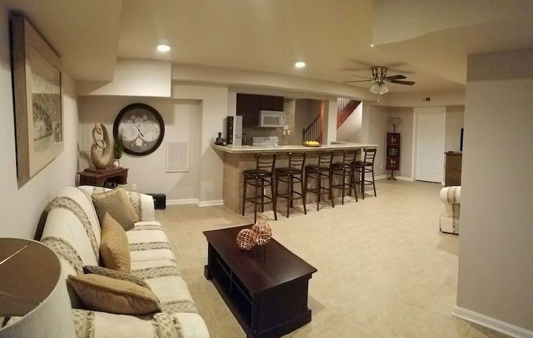 Mini Mansion 3,500 sf near NCSU - Raleigh