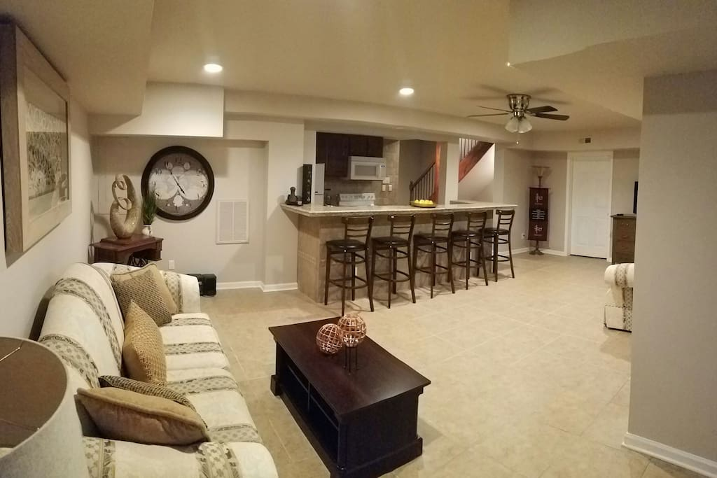 Mini mansion 3 500 sf near ncsu houses for rent in for One bedroom apartments near ncsu