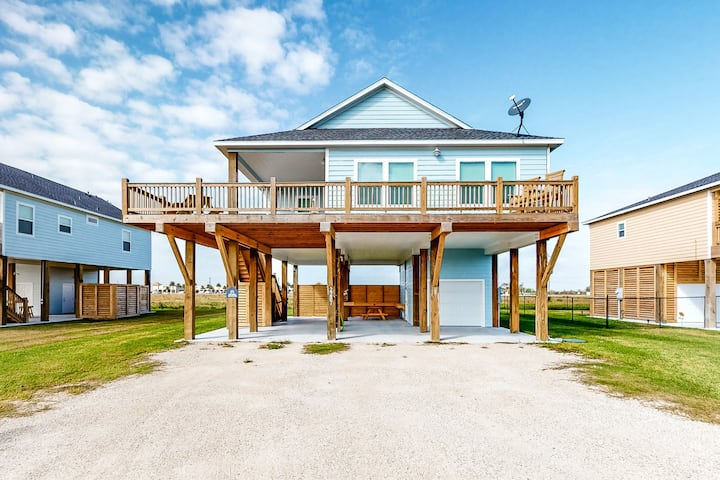New listing! Inviting, dog-friendly home w/ a deck & firepit - near the beach!