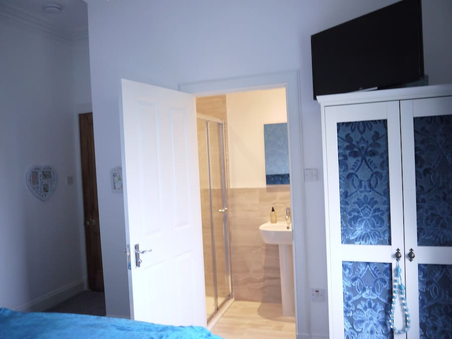 Ensuite with instant hot water