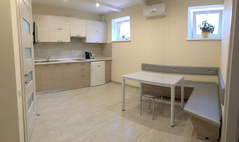 аппартаменты 200м от моря - Illichivs'k - Apartament