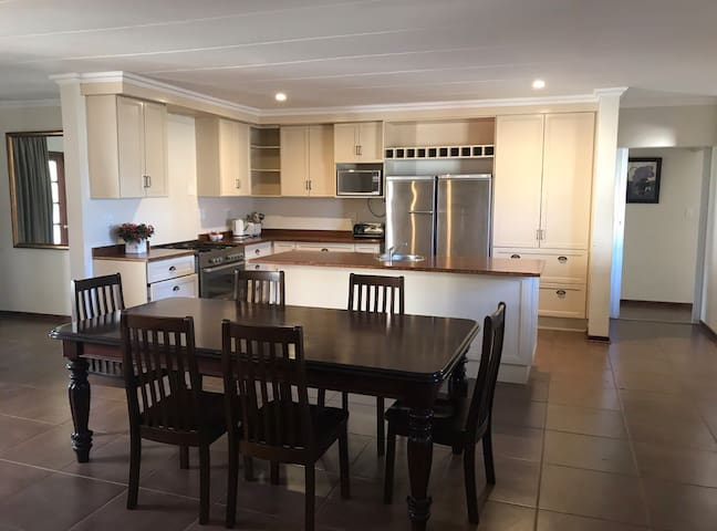6 Sleeper Self Catering cottage at Windmill Farm