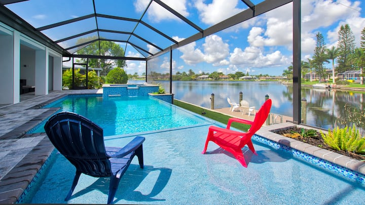 Paradise feeling in modern villa on canal