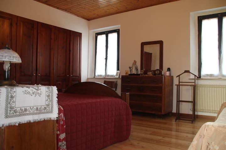 Casa di Inna (Stanza Inna)