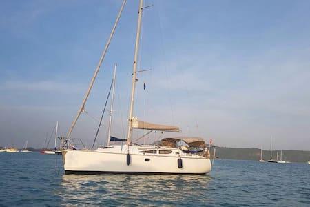 SY Sade - a Jeanneau 35 cruising sloop - Langkawi - Boat