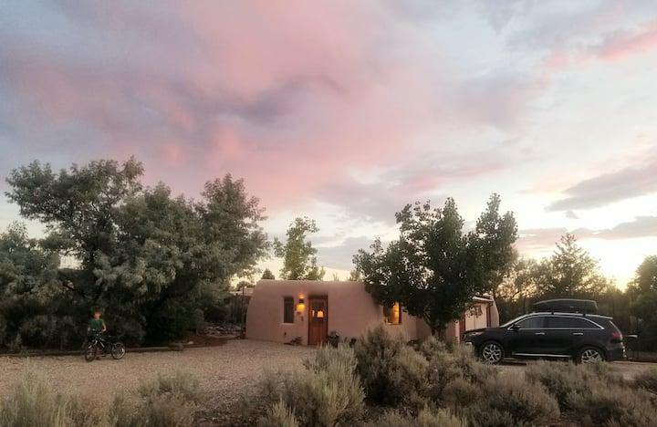 Child-Friendly Sanctuary in Ranchos de Taos