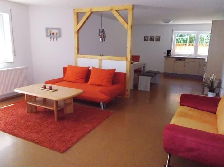 Ferienwohnung Mohnblume, (Bad Urach), Ferienwohnung Mohnblume, 73qm, Terrasse, 1 Schlafzimmer, max. 3 Personen