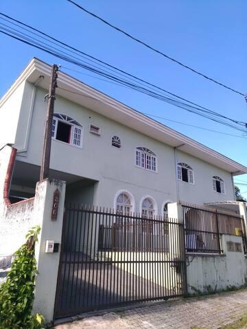 Quarto ao lado da Rodoviária de Joinville