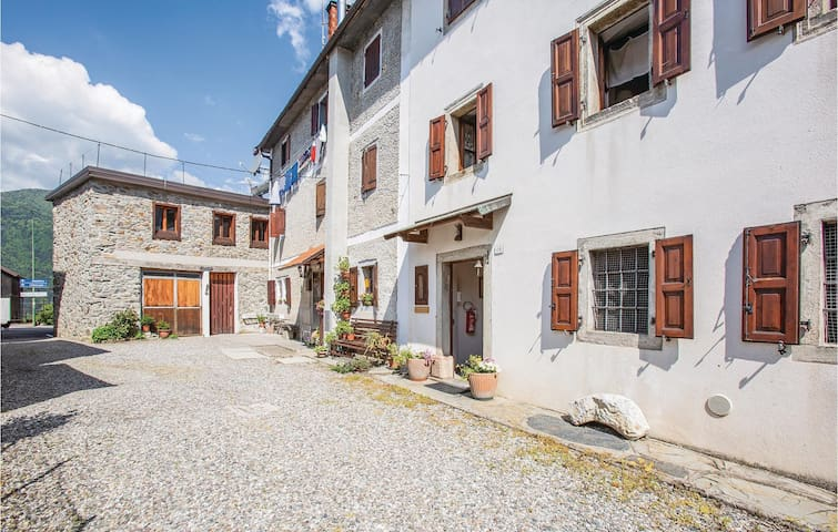 Semi-Detached with 2 bedrooms on 115m² in Comeglians (UD)