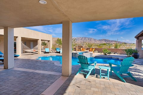 Painted Hills Desert Retreat   5-Acre Compound with Heated Pool