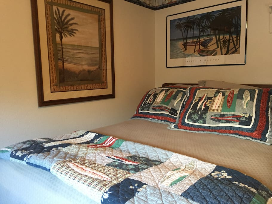 Guest room with comfy queen bed
