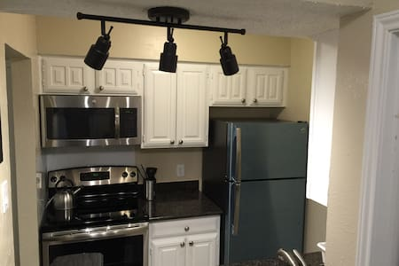 Fully furnished Cozy 1 bedroom - Irving - Apartamento