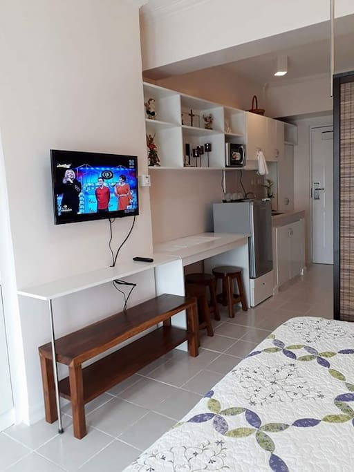 Fully furnished with flat tv screen with cable, wifi.....